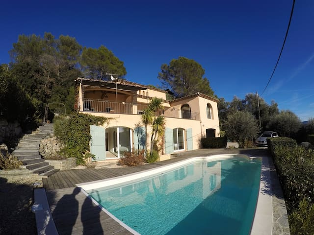 Villa Pérol, haven of peace with magnificent view!