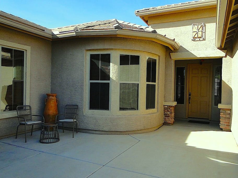 front entrance courtyard  Casita to the left with separate entrance.