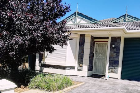Great Value! Fully equipped house. Pet-friendly.