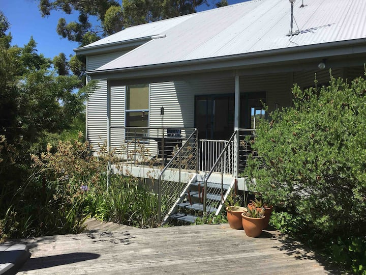 Binalong Bay Holiday Home