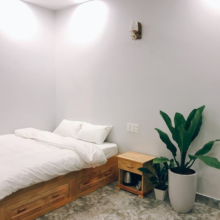 Rốt Homestay - Standard Queen Size Bed