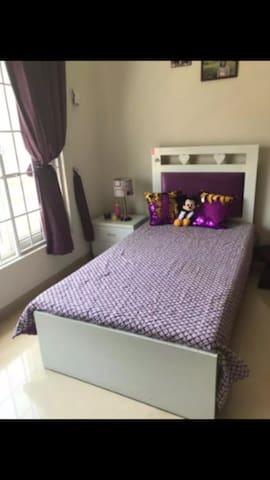 single Room for females