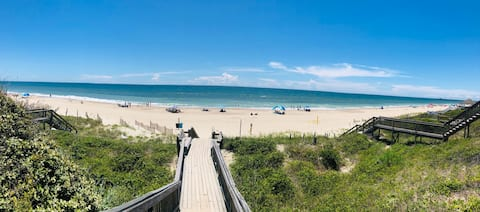 Emerald Isle Guest Suite with a View