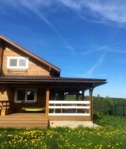 Сдаем 1 этаж дома  в поле с красивым видом