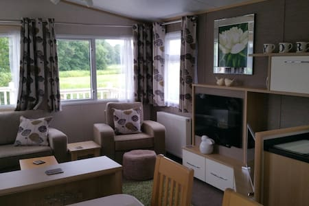 White Rose Luxury Caravan Holiday Home nr York - 约克 - 独立屋