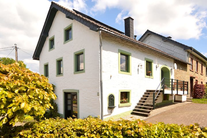 Lovely Holiday Home in Bütgenbach by the Lake