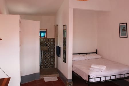Quadruple room with A/C and spacious terrace