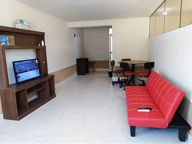 LINDO Departamento tercer piso, servicio de taxi