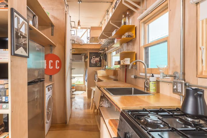 Kinetohaus- Tiny House feat. @ SXSW - Del Valle