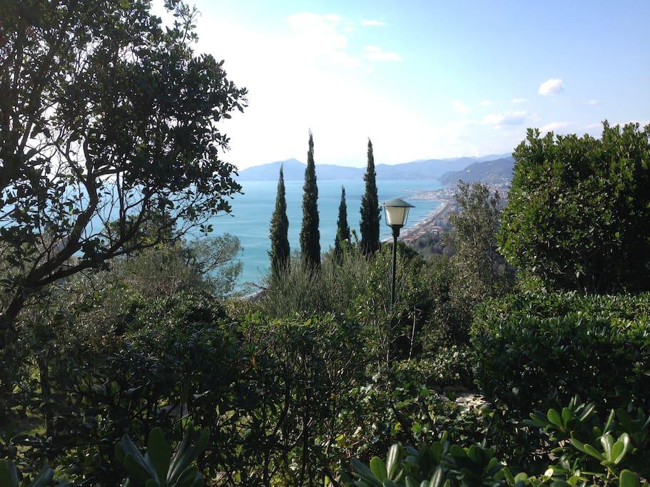 La nostra vista preferita, dall'alto del giardino
