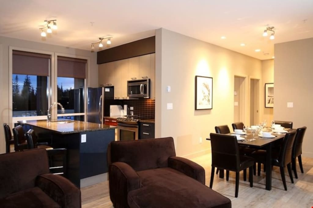 Then open-concept layout of the condo is great for large groups.