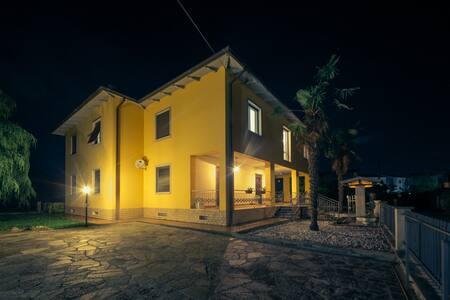 Villa 2 Pini - Ameglia