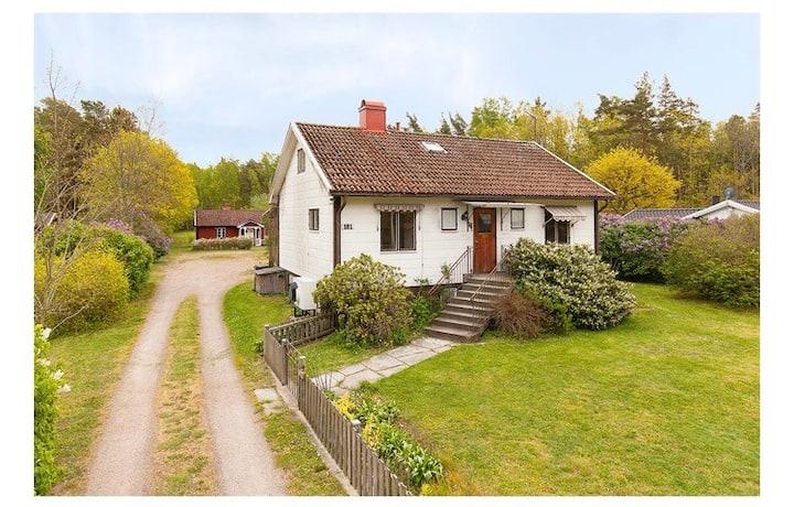 Charmigt hus i Köpingsvik