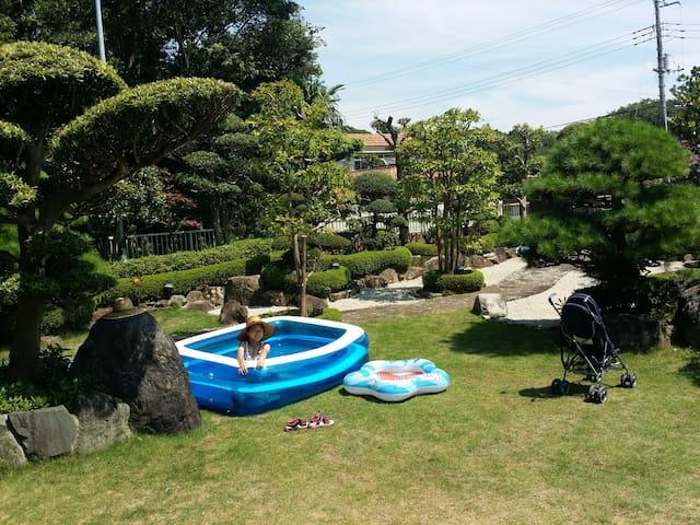 Tatami Room  憩の家 Traditional garden house in Japan