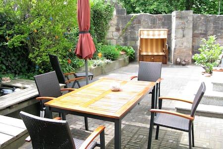 Die Gartenoase in der historischen Altstadt - Hann. Münden