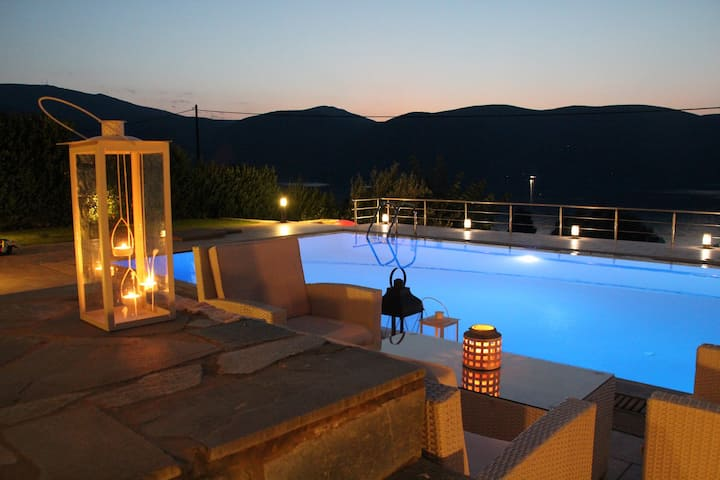 SunsetVilla with Swimming Pool and SeaView in Evia