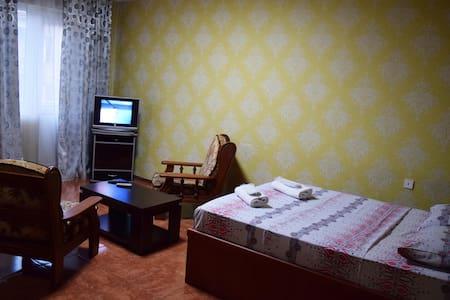 Апартаменты на Сабуртало - 第比利斯 - 公寓
