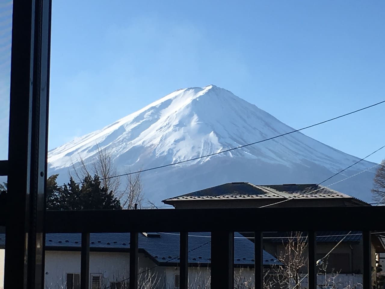 You can see the grate Mt. Fuji from the two rooms!!
