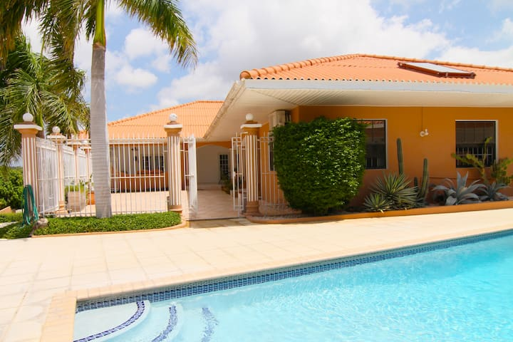 Villa on a resort,  pools, BBQ, Porch, near beach