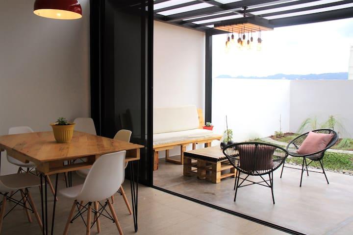 Apto. moderno con terraza junto a TORRE FUTURA