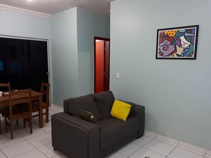 Um apartamento todo seu! Excelente localização.