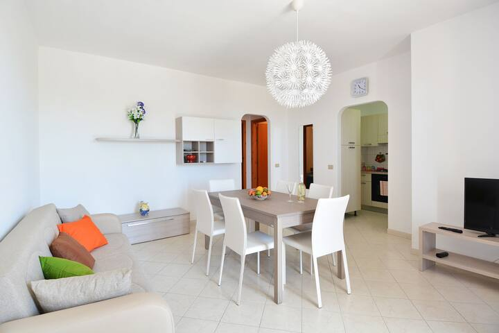 Spacious Apartment in Marina Di Ragusa with Pool