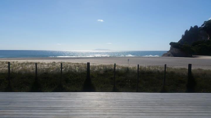 Spectacular Beachfront in Whiritoa