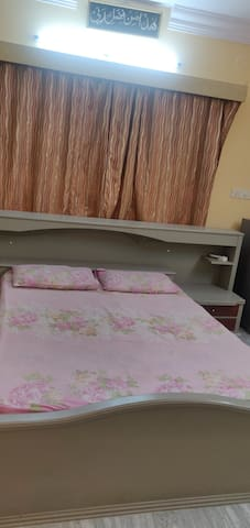 A posh studio apartment in Egmore area