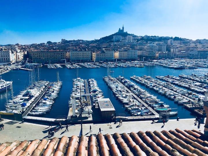 T2 avec Superbe vue sur le Vieux Port et Terrasse✨