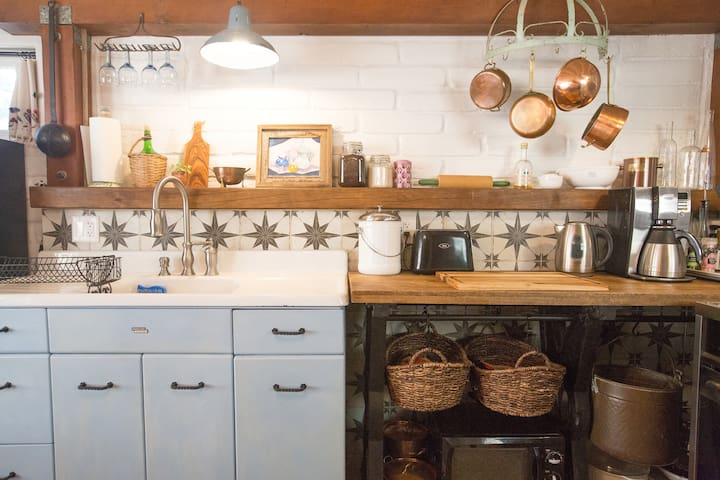 Casita Bonita~Charm & Romance in a Spanish Cottage