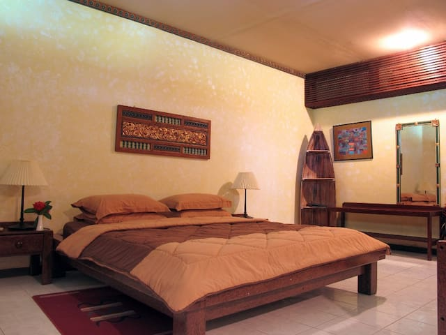 Cozy seaview suite in Sulawesi
