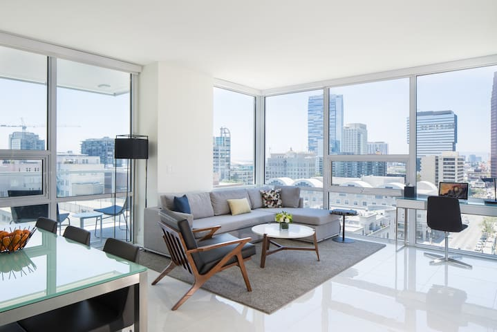 DOWNTOWN LA| Corner 1 BDR with STUNNING views - Los Angeles - Apartamento