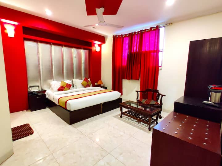 Hotel Unistar Deluxe AC Double Room