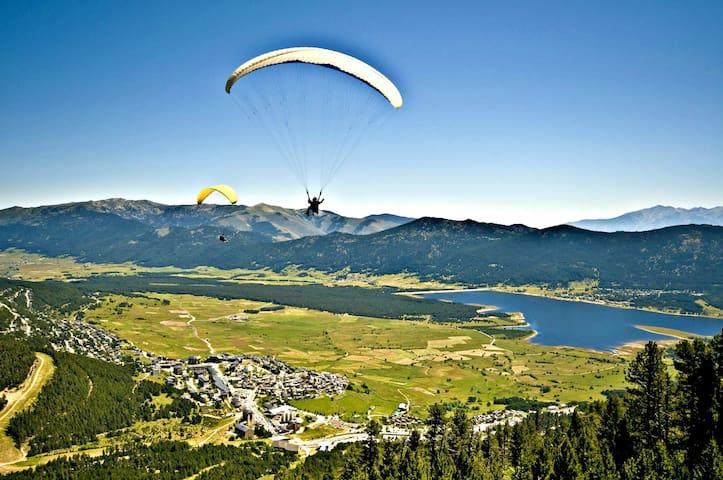 Apt  zen face au lac de Matemale et aux montagnes