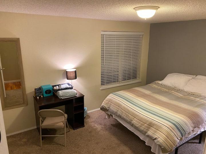 Quiet Port Orchard room for rent #2