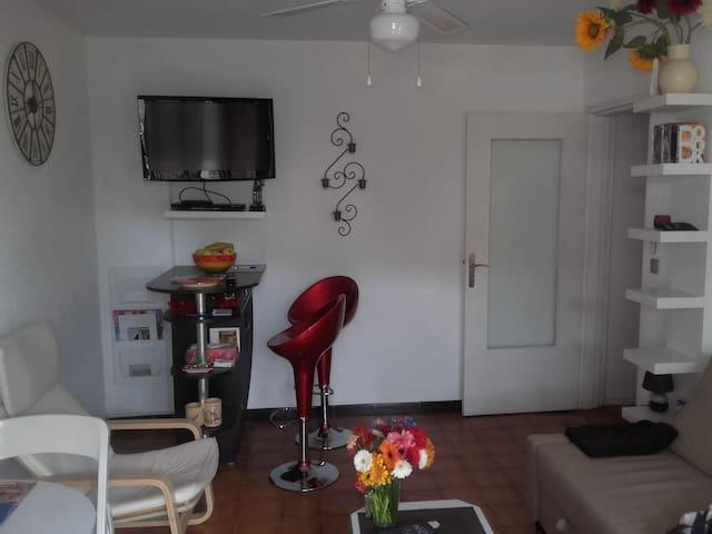 Logement de type F2 - Cavalaire-sur-Mer - Apartment