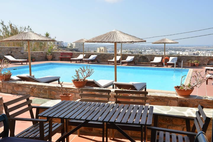 2-Bedroom Apartment with Pool View
