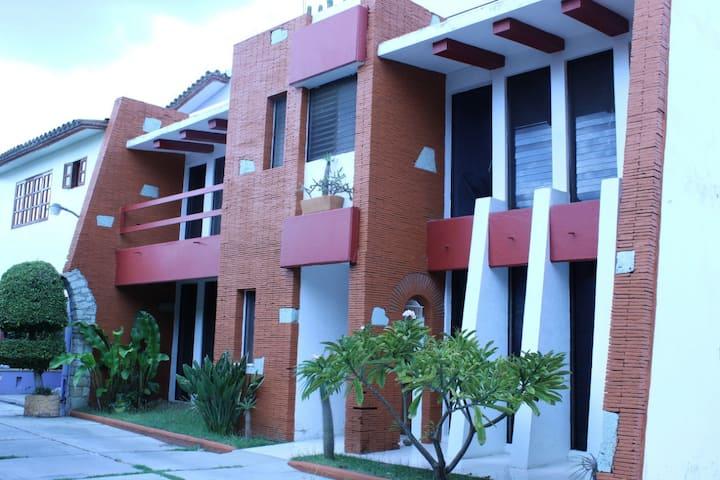 4 Habitaciones en casa dentro de Centro histórico.