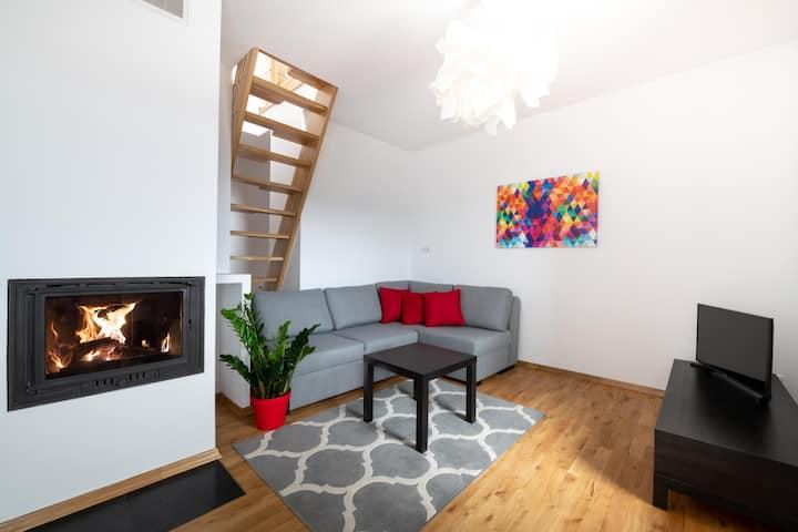 Halna Residence:apartament dwupoziomowy z balkonem