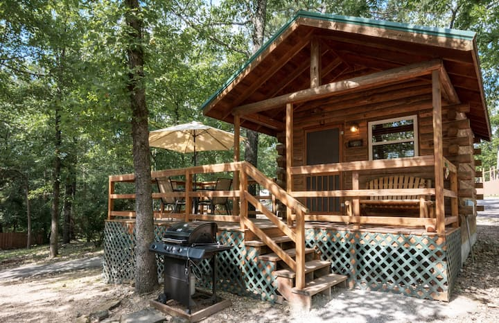 Eureka Springs KOA Campground Family Cabin