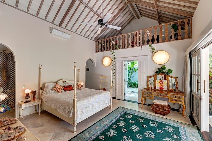 PROMO - 4 bedroom Villa in Candidasa Beach - South Kuta - Vila