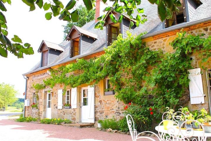 Chambre d'hôtes Sud Morvan avec vue d'exception - Sémelay - Guesthouse