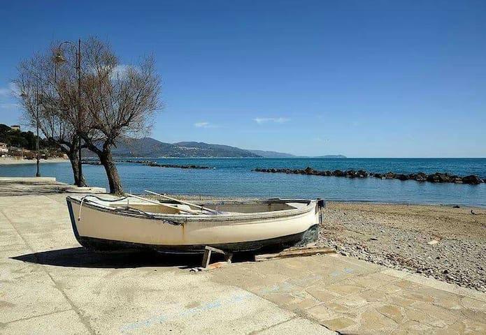 """""""Collina da AMaRe"""" appart a Pioppi, Cilento (SA)"""