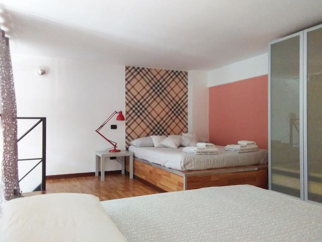 Easy and young for 5 people - Milaan - Appartement