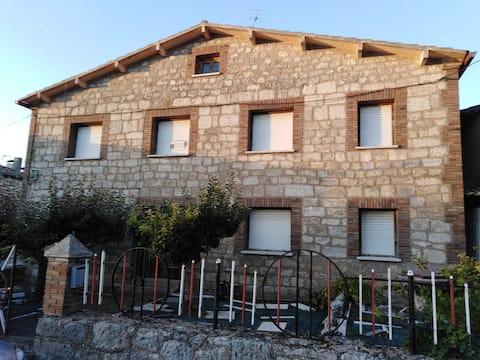 casa rural en pueblo tranquilo cerca de Burgos