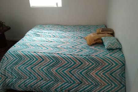 Private bedroom in modest & friendly Bahamian home - Freeport - บ้าน