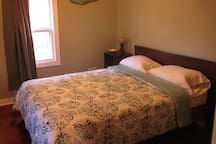 Front Bedroom - Queen Bed
