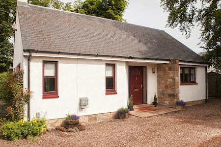 The Bungalow @ Just B - Balerno - Bungalow