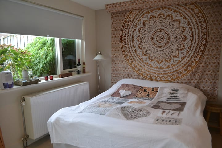 Peace and privacy in Shanti double guest room