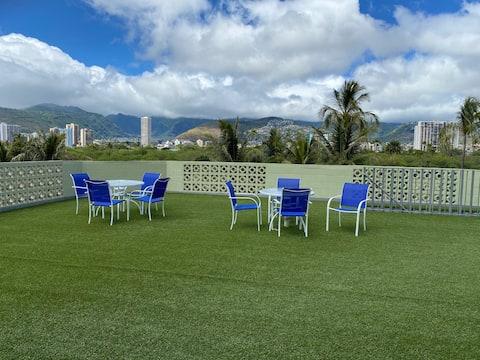 Modern Waikiki Studio #410  *30 DAYS MINIMUM